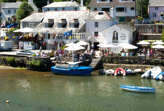 Waterfront at the Ship Inn Noss Mayo